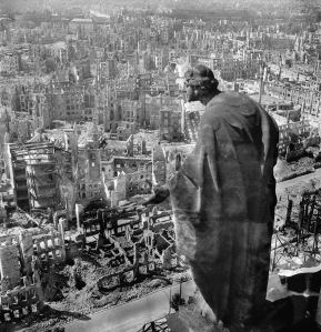 Dresden After Allied Raids, Germany 1945  © SLUB Dresden / Deutsche Fotothek / Richard Peter, sen.